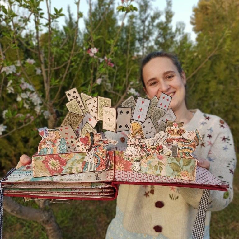 Alice Stamperia album pop up por milena de miel