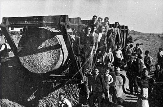 Los Juanelos: traslado en 1949
