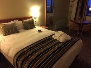 Dublin Airport Radisson - Business Class Room