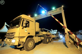 "Kuwait Army Mercedes Actros Titan 4060 tank transporter heading for ""NorthernThunder"""