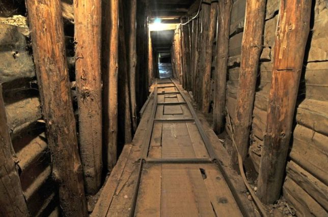 Inside the tunnel that nowadays works as a museum. Picture from bosnia-sarajevo.com.