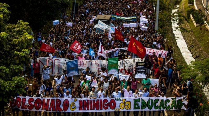 Bolsonaro, inimigo da Educação