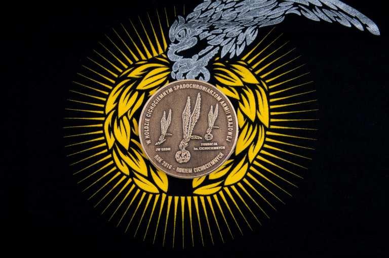 aukcje wośp Medal pamiątkowy Cichociemnych Spadochroniarzy AK