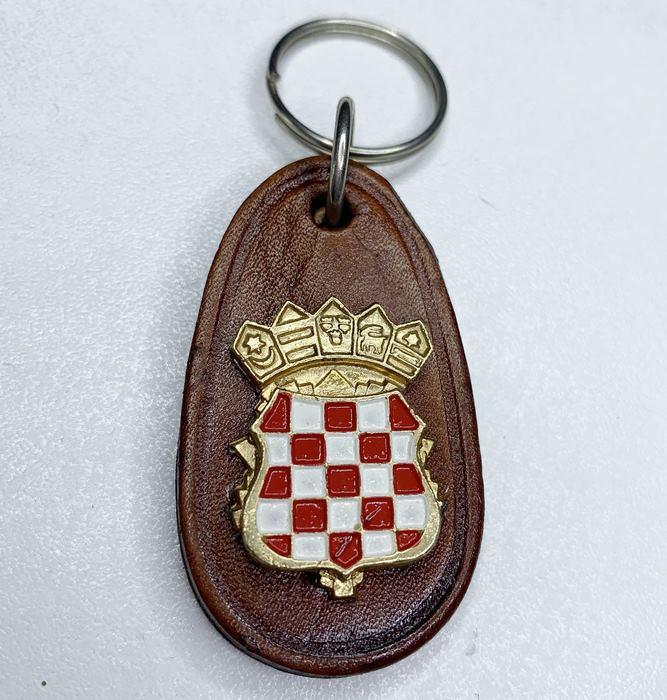Croatia CRO Police Croatian Armed FORCES Army Vintage key breast Badge Leather 5