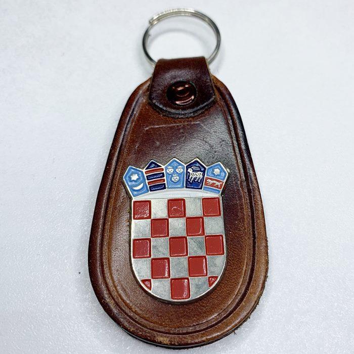 Croatia CRO Police Croatian Armed FORCES Army Vintage key breast Badge Leather 7