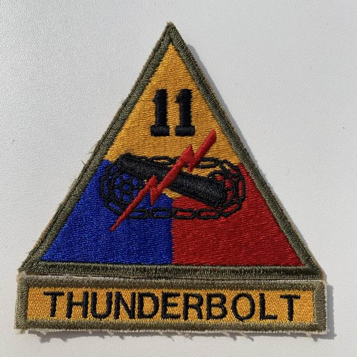 US United States THUNDERBOLT 11 Armoured Centre ARMY Kentucky Cloth Badge Patch