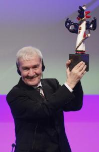 Stanislav Petrov shows off his Dresden Award.
