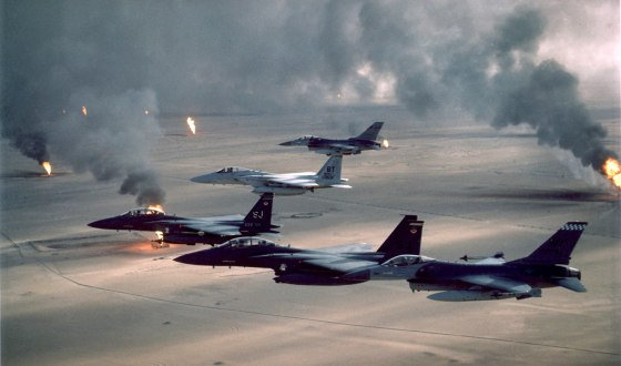 American warplanes fly over Kuwaiti oil fields. (Source: United States Air Force)