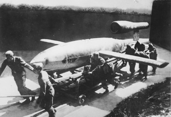 A V-1 crew hauls a missile to the launch pad. (Image source: German Federal Archive)