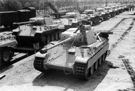 A Panther tank, fresh from the factory. (Image source: German Federal Archive)