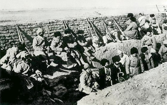 The shape of wars to come? It was trench warfare a la the Western Front in 1917 for these Russian troops at Bulla. (Image source: WikiCommons)