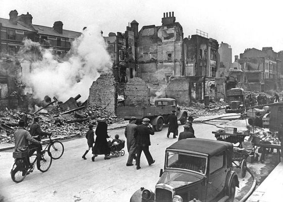 The streets of bombed out London. (Image source: WikiCommons)