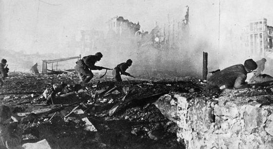 The German army enjoyed an nearly unbroken string of victories in Russia, until it took on the Red Army in the ruins of Stalingrad. (Image source: WikiCommons)