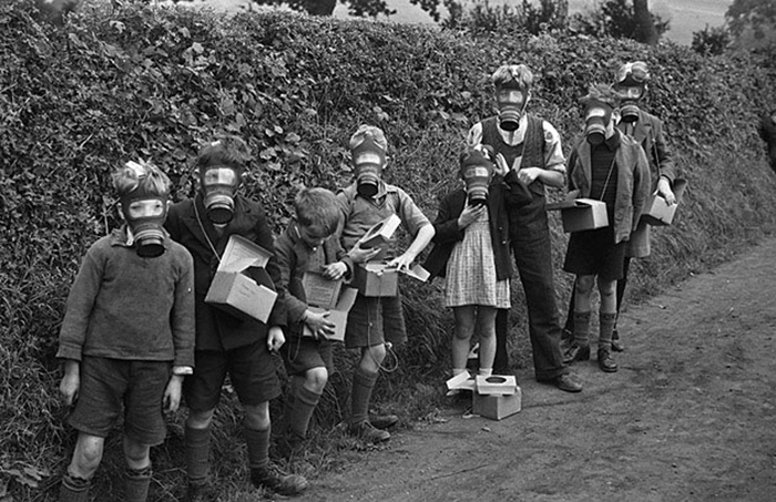 the policy of evacuating children during world Policy of evacuating children during the second world war explain the differing reactions of people in britain to the policy of evacuating children during the second world war many different people thought many different things about evacuation some people thought that it was a good thing as it took children out of the danger-zones and it.