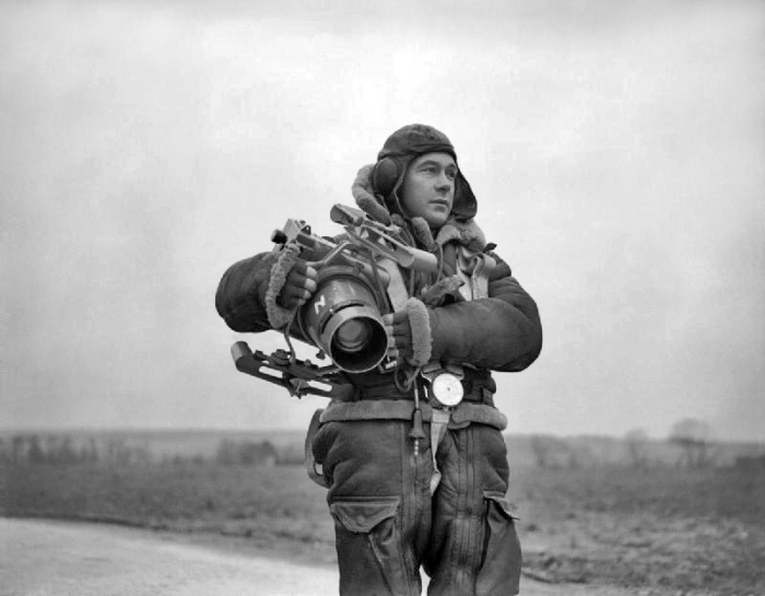 Cameras Go to War – 100 Years of Combat Photography Gear