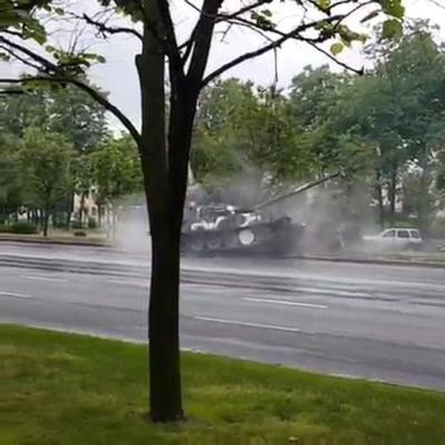 Tank Loses Control And Takes Out A Light Pole
