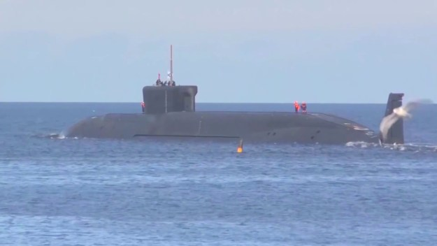 Russian Navy SSBN Yuri Dolgorukiy submarine successfully fires 4 Bulava missles