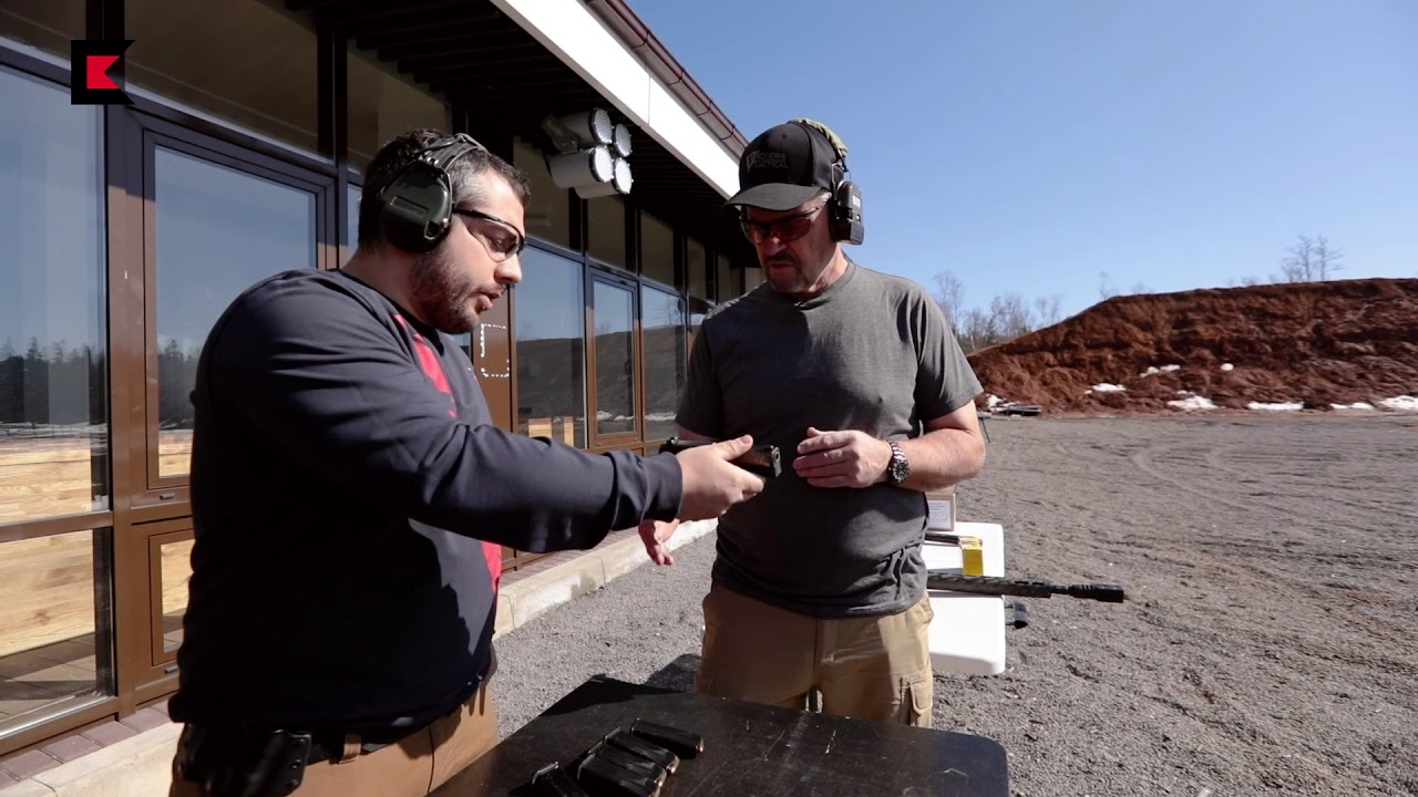 Larry Vickers shooting PL-15K pistol