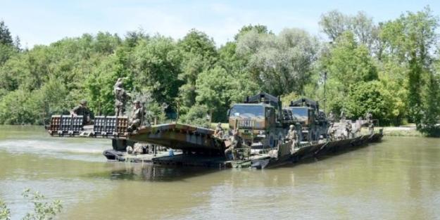 CNIM PFM Motorized Floating Bridge