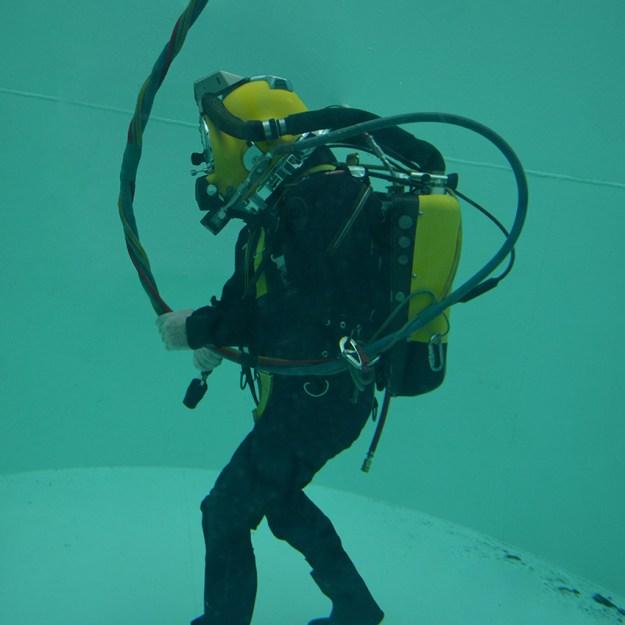 JFD COBRA Rebreather (Compact bailout rebreathing apparatus)