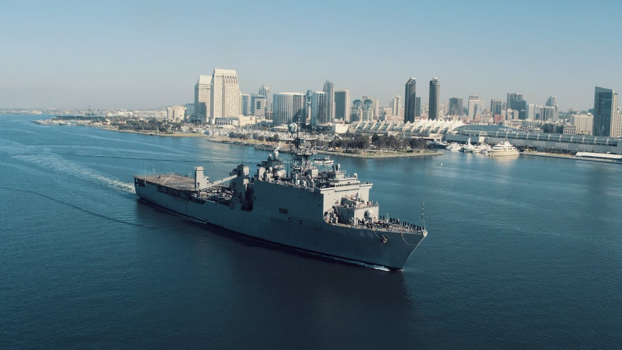 USS Harpers Ferry (LSD-49)
