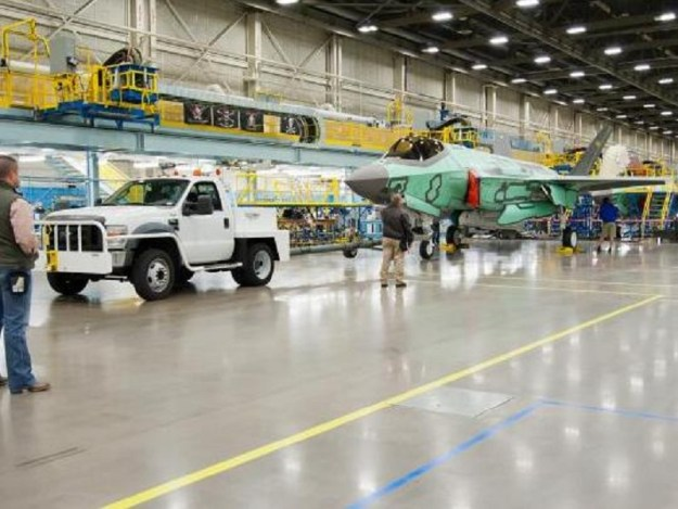 Lockheed Martin wins $712M to upgrade F-35 avionics