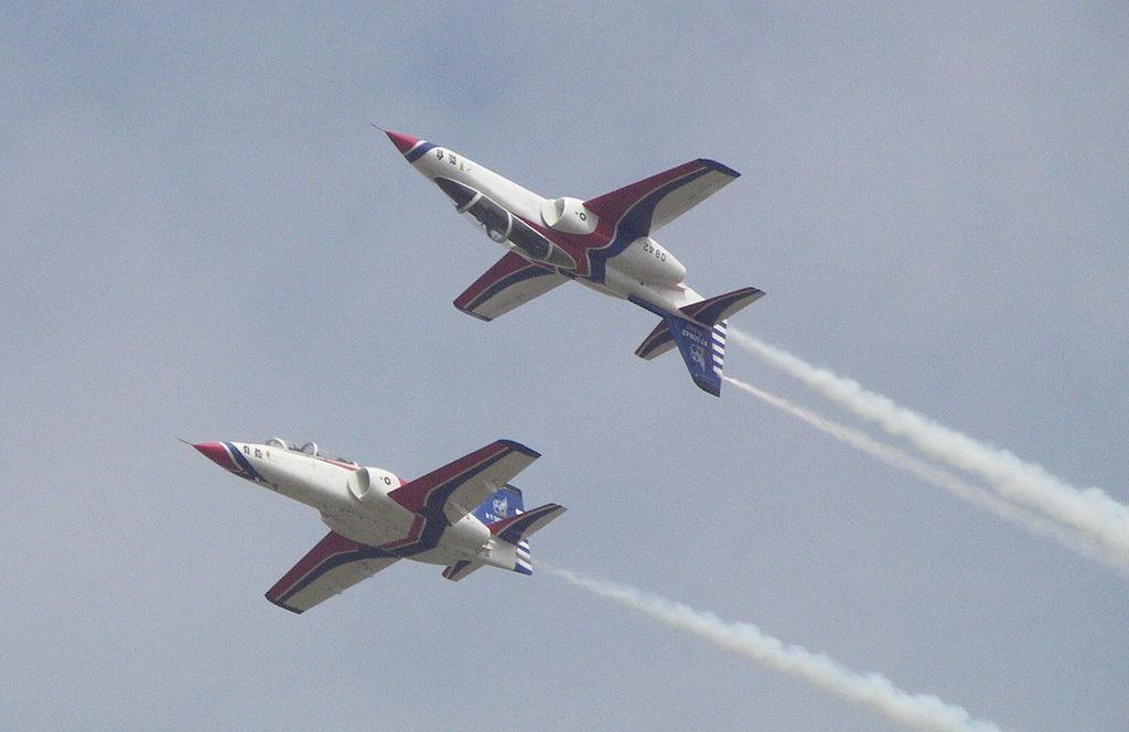 AIDC AT-3 - Thunder Tiger Aerobatics