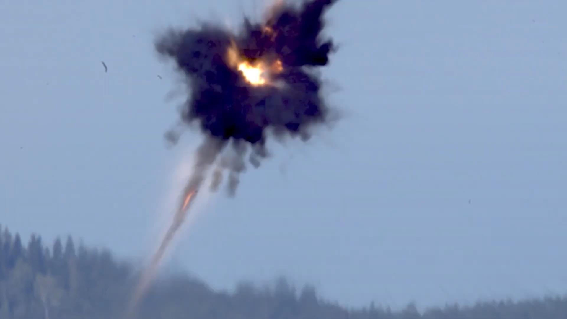 BONUS (BOfors NUtating Shell) 155 mm NATO Precision-Guided Munitions