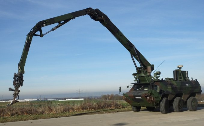 Rheinmetall Supplying Bundeswehr with Fuchs/Fox Armoured Transport Vehicles Configured for EOD Role