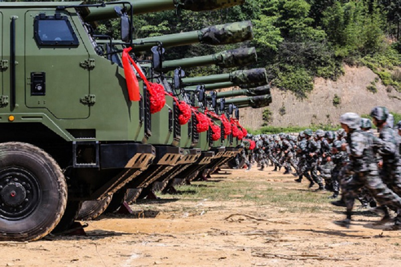 PCL-181 Self-Propelled Howitzer Enters in Service with Chinese People's Liberation Army