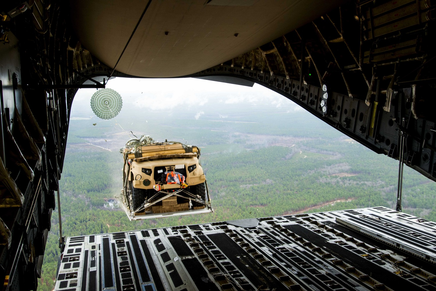 US Army Conduct Airdrop Road Tests of Joint Light Tactical Vehicle (JLTV)