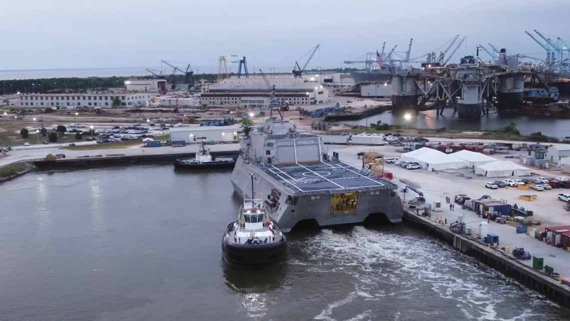 U.S. Navy USS Oakland (LCS 24)