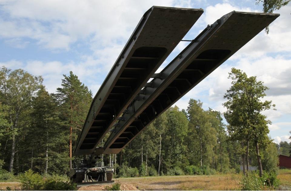 Leguan Assault Bridge Layer