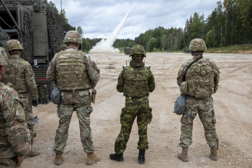 US Army Deployed M270 Multiple Launch Rocket System to Estonia