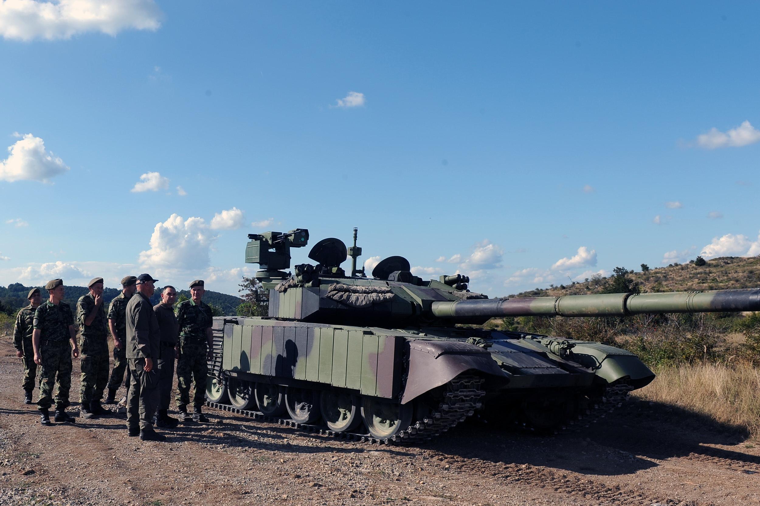 Srbija predstavila modernizirani M84 AS1 Serbian-ministry-of-defence-showcases-upgraded-m-84-as1-main-attle-tanks-1