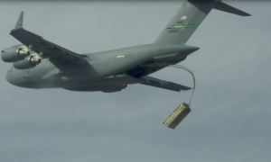 US Air Force Tests Launching Pallets of Missiles from C-17 Transport