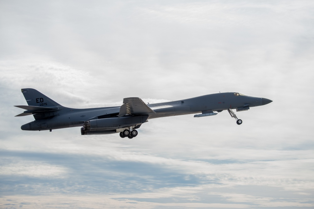 US Air Force Tests External Missile Carriage on B-1B Lancer Bomber