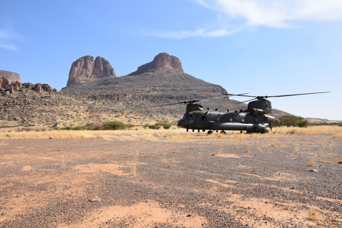 Chinooks from 1310 flight on Op NEWCOMBE recently visited the Hombori Mountians.
