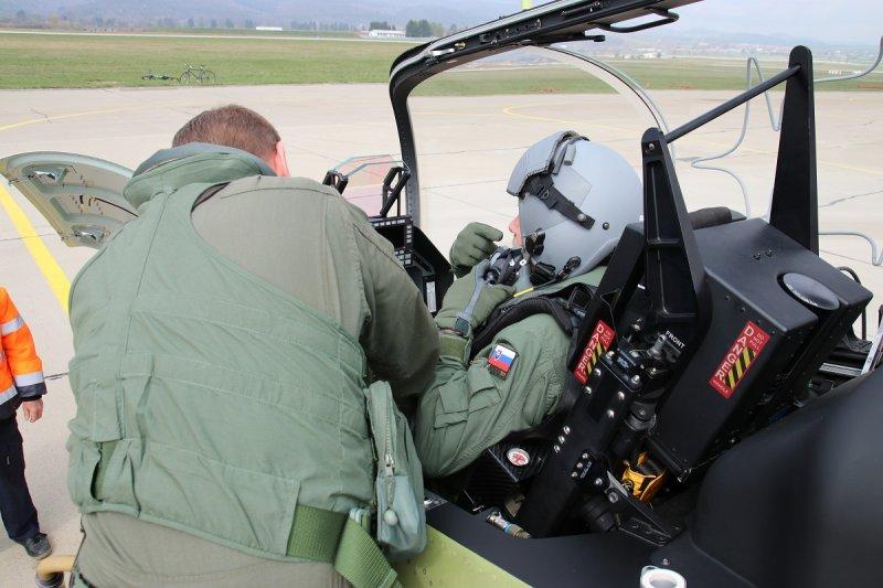 Slovak Air Force Pilots Flew New Aero Vodochody L-39NG Advanced Jet Trainer