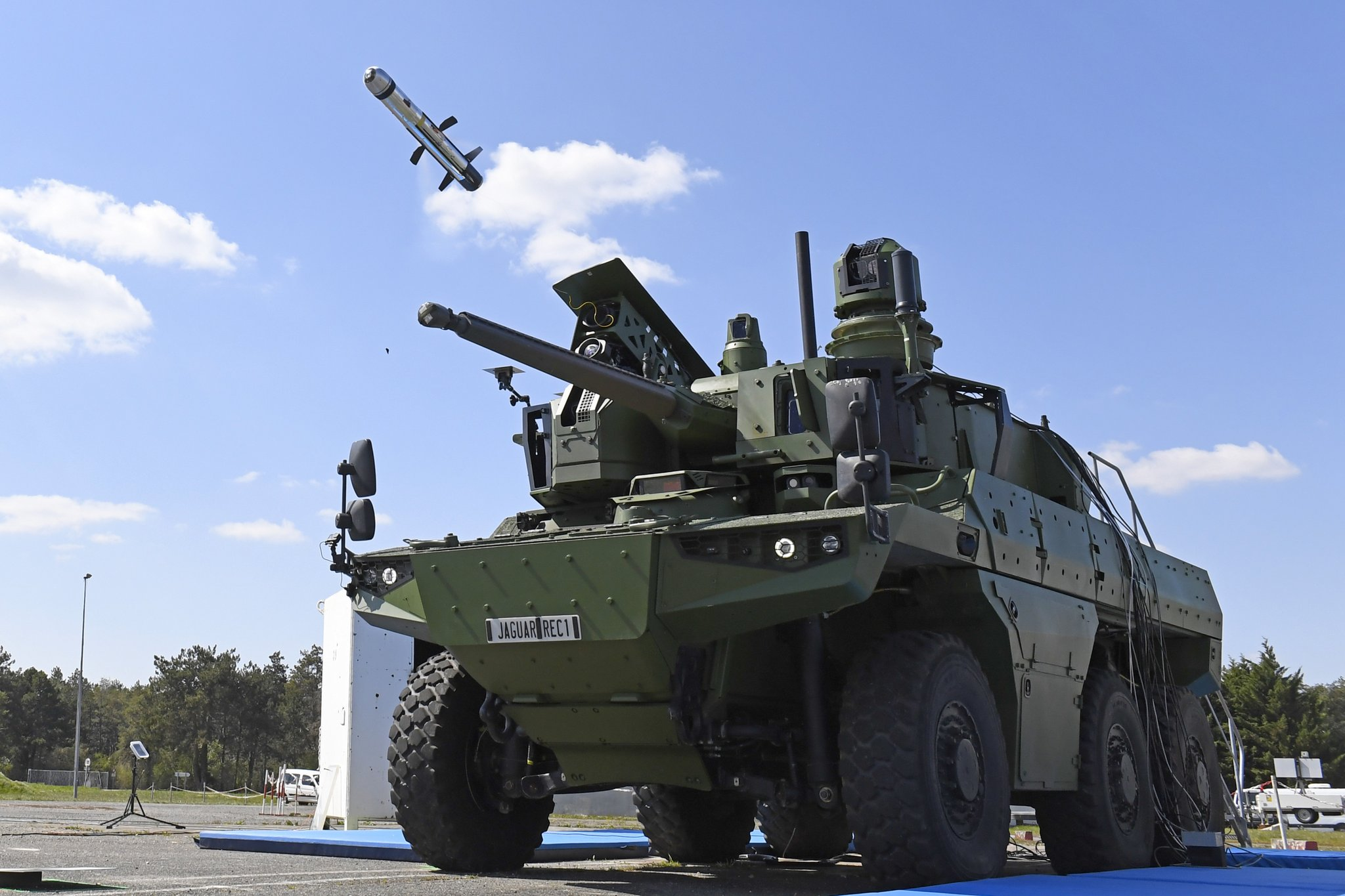 French Army Jaguar Reconnaissance Vehicle Fires MMP Anti-tank Guided Missile for First Time