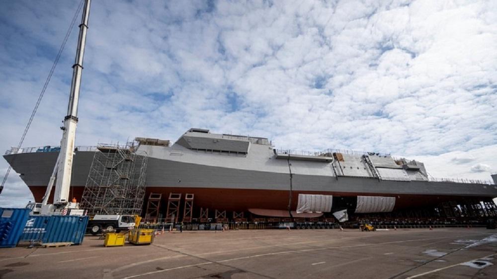 Royal Navy HMS GLASGOW blocks join together