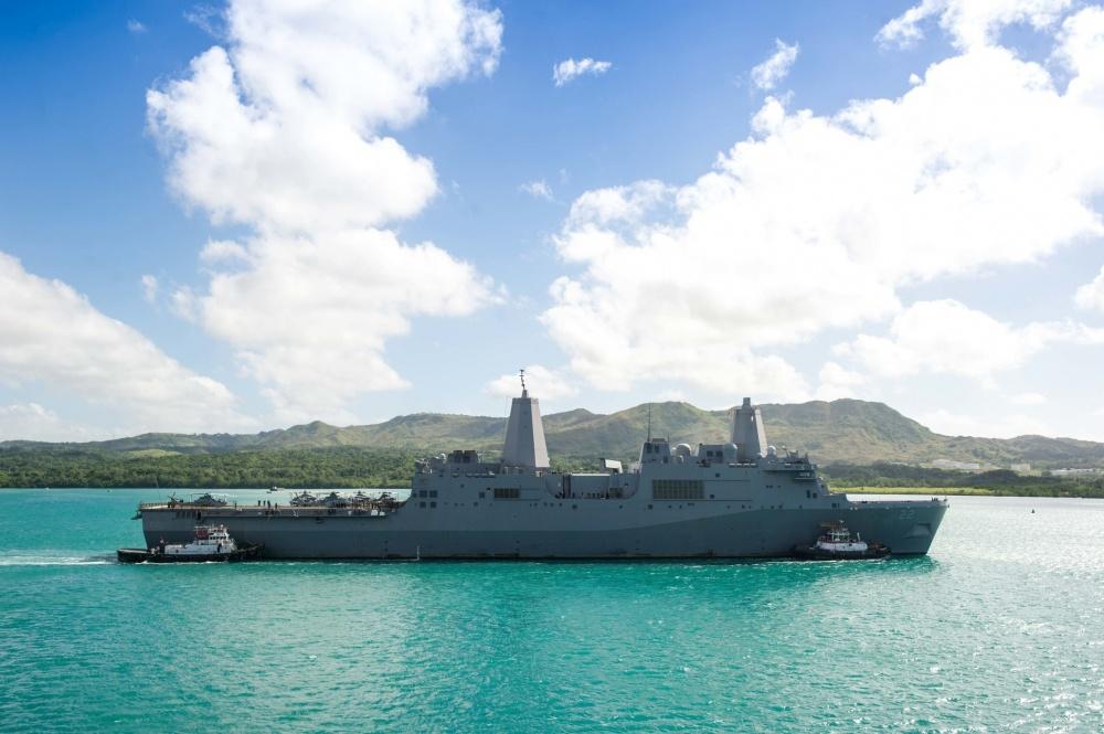 The amphibious transport dock ship USS San Diego (LPD 22)