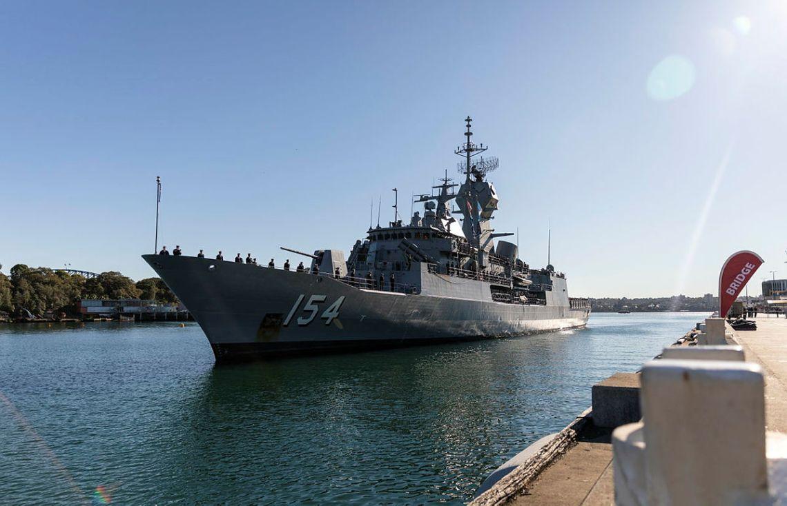 Royal Australian Navy HMAS Parramatta (FFH 154) Sails Back to Sydney