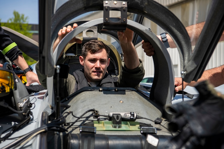US Air Force B-1B Lancer Pilots Test Airborne Tactical Augmented Reality System (ATARS) in Air