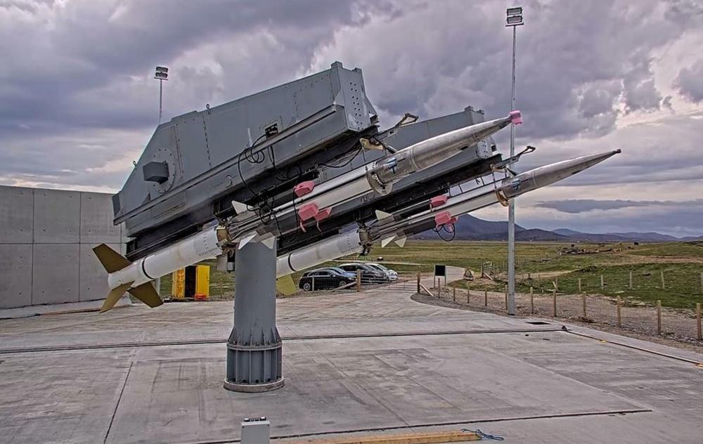 ذئب الذئب GQM-163 المصور أعلاه هو جزء من أحد الأحداث العديدة الناجحة التي وقعت خلال تمرين عرض البحر / الدرع الهائل 2021 (ASD / FS21).  الهدف هو مركبة كشط في البحر أسرع من الصوت تستخدمها البحرية مع القدرة على الوصول إلى سرعات تصل إلى 2 ماخ أو أعلى وارتفاعات تصل إلى 52000 قدم.