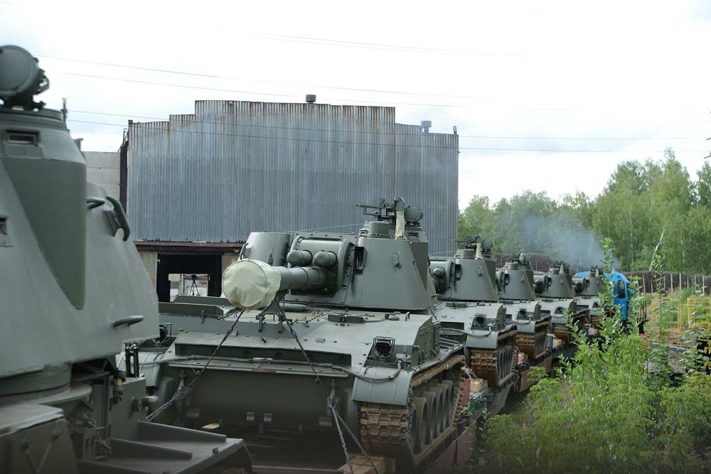 Russia's Uraltransmash Delivers Upgraded 2S3M Akatsiya Self-propelled Howitzers to Belarusian