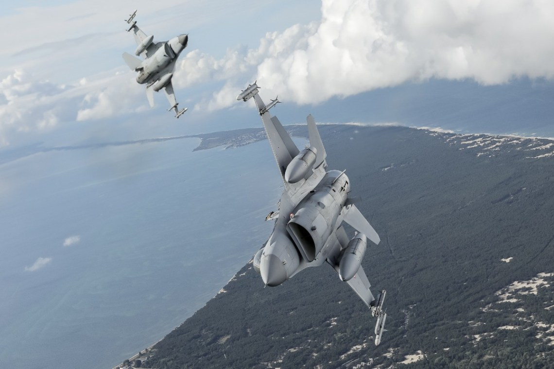 The Turkish Air Force F-16 fighters conducted aerial manoeuvres in  the north of Poland and the Baltic Sea coast while flying alongside a Polish Air Force C-295M Casa transport aircraft. Photos by Arnaud Chamberlin.