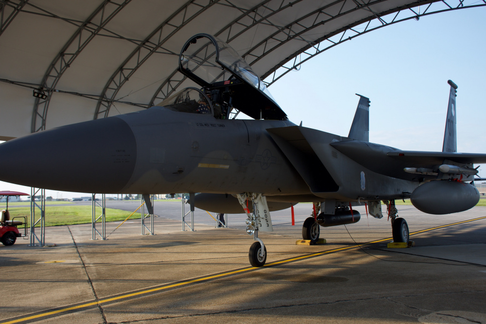 US Air Force 85th Test and Evaluation Squadron F-15C fires first IRST-cued AMRAAM