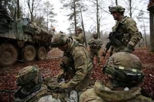 army-dudes-striker