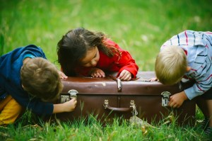 Tips for Holiday Travel with Children